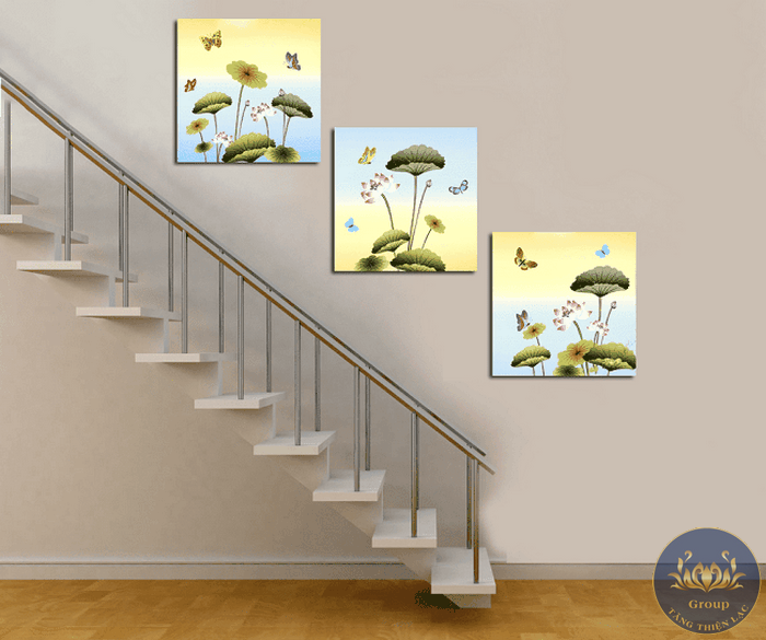 Tranh 3D hoa sen cầu thang làm cho gia chủ luôn luôn an lạc viên mãn