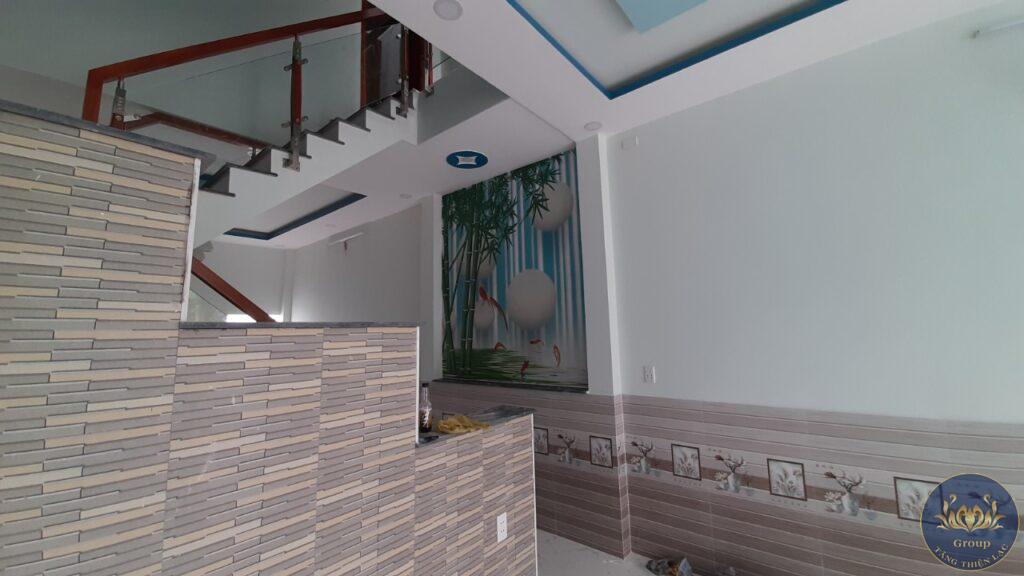 Tranh 3D ô cầu thang thác nước chảy tiền vào nhà cho gia chủ