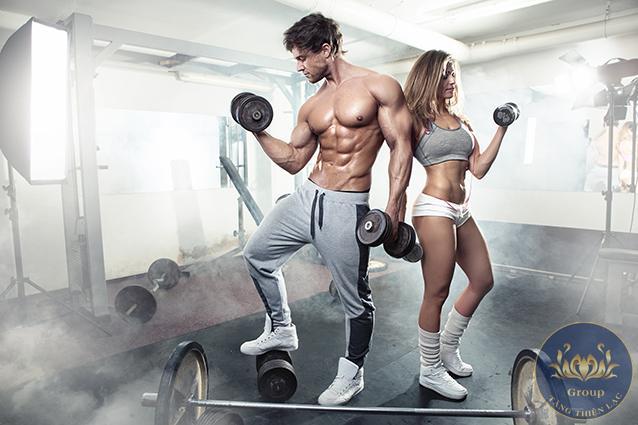 Tranh dán tường 3D phòng gym là yếu tố quan trọng trong không gian tập luyện.